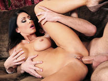 Jessica Jaymes & Logan Pierce in Seduced by a cougar