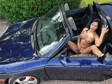 Pussy on the Porsche!