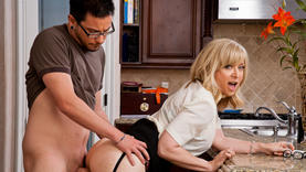 nina hartley in glasses blows cock