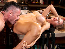 Nicole Aniston Fucks Her Son�™s Coach