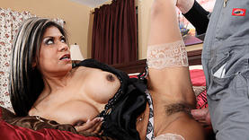 milf in lingerie gets cum on face